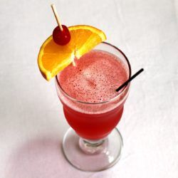 Singapore Sling drink recipe: gin, Cointreau, Benedictine and lots of fruit juices