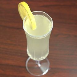 When you want champagne, but it doesn't have the kick you want, you can always go for the French 75 cocktail. It's a champagne, gin and lemon drink with kick. Great way to use up leftover champagne.