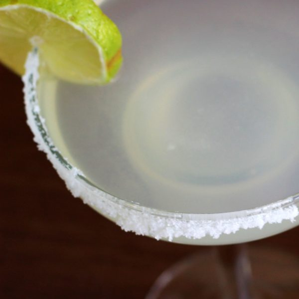 Learn how to rim a glass with salt or sugar. You can use a saucer, or you can buy a special rimming dish. Both methods can work well - it's just a matter of learning the basics and then practicing.