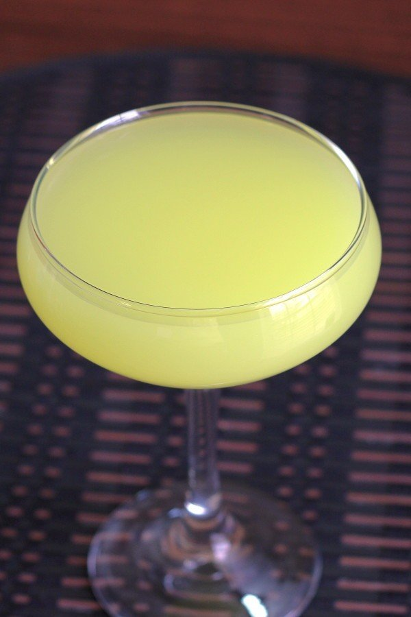 Yellow Sea drink recipe: Galliano, Creme de Banane, Rose's Lime, vodka