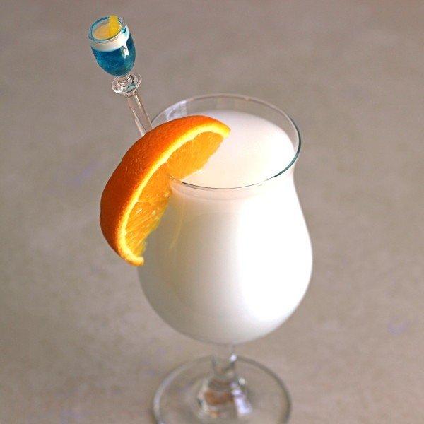 Vanilla Creamsicle drink recipe with vanilla schnapps, triple sec, creme de cacao and milk.