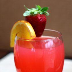 Mirage cocktail recipe: melon vodka, pineapple, lemon, strawberry