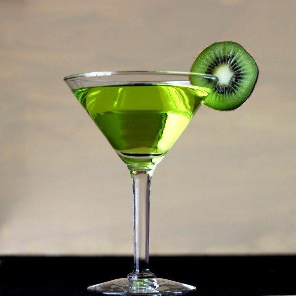 Garden Fresh drink recipe: rum, pear liqueur, Midori, grapefruit, pineapple, kiwi syrup