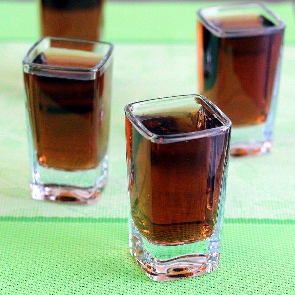 Kentucky Pitbull drink recipe: Jim Beam, Wild Turkey, Maker's Mark