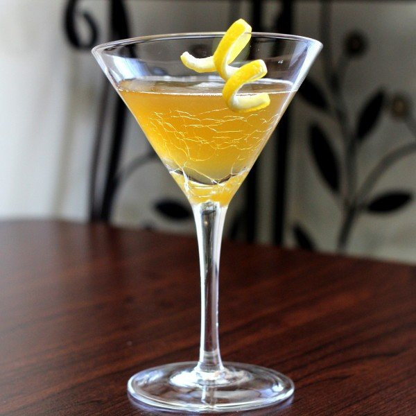 Barnum drink recipe: Apricot Brandy, Gin, Bitters, Lemon