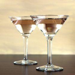 The Currant Vodka Martini recipe: Currant Vodka, Cassis liqueur, White Wine