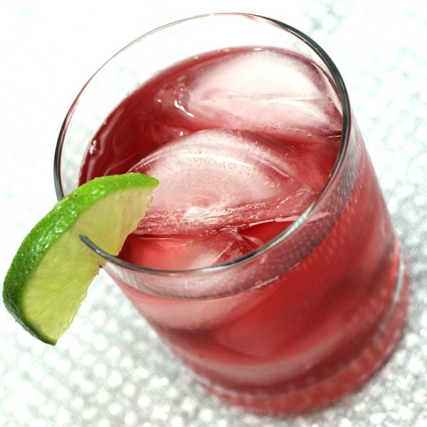 The Cranberry Gin cocktail is one of those amazingly simple, refreshing drink recipes that some bartenders have never heard of. It makes a wonderful change from the vodka cranberry, with hints of juniper.