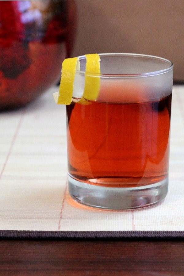 Sazerac cocktail recipe: absinthe, Peychaud bitters, rye and a sugar cube