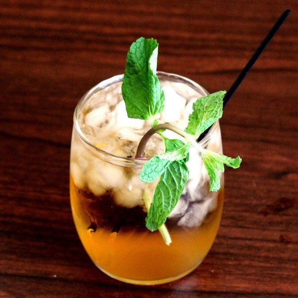 Whiskey Smash recipe: whiskey, mint leaves, lemon, club soda, sugar