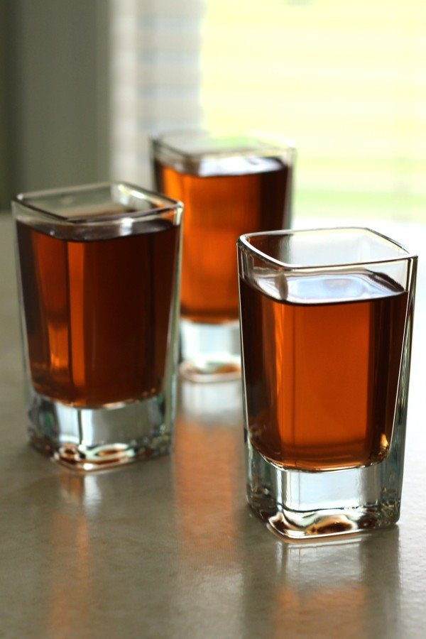 Ground Zero drink recipe with whiskey, peppermint schnapps, Kahlua and vodka.