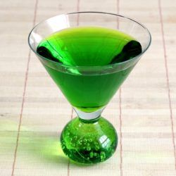 Kermit drink recipe with Bicardi, Pisang Ambon, blue curacao and banana liqueur.