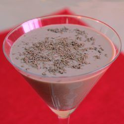 Magic Flute drink recipe with Mozart White Chocolate Liqueur and amaretto.