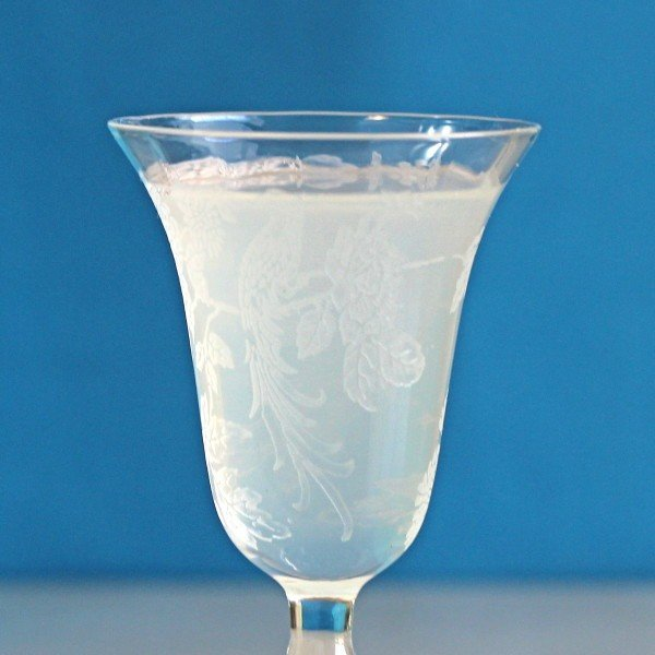 Foggy Day drink recipe with Pernod, gin and cold water.