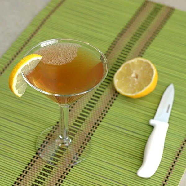 Iguana drink recipe with 1800 Tequila, vodka, Tia Maria, lemon juice and simple syrup.