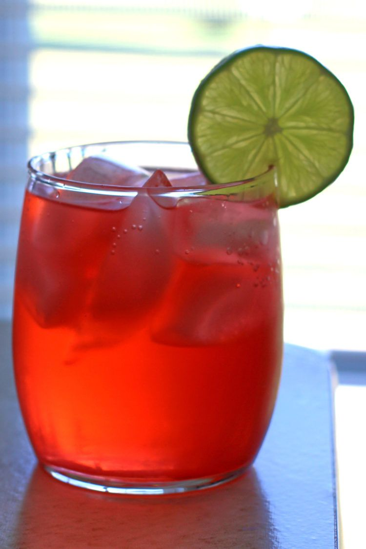 Amber Haze drink recipe with Bicardi Big Apple Rum, grenadine and soda water.