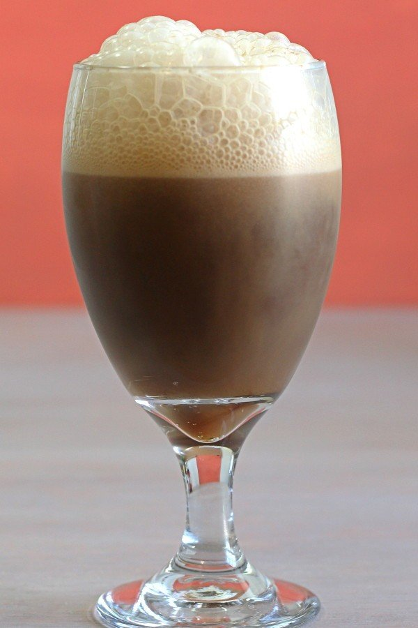 Eskay Slammer drink recipe with bourbon, root beer and ice cream.