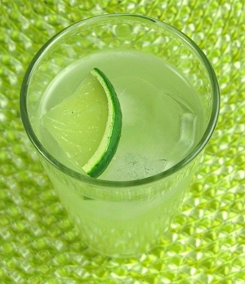 Long Vodka recipe with lime slice
