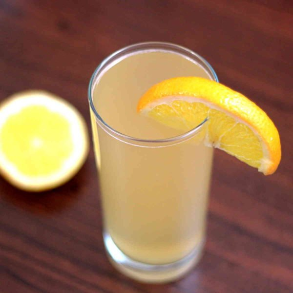 The Alamo Splash cocktail blends orange juice, pineapple juice and lemon-lime soda with a serving of tequila. It's a refreshing drink recipe with fruit juice that's sure to please most anybody.