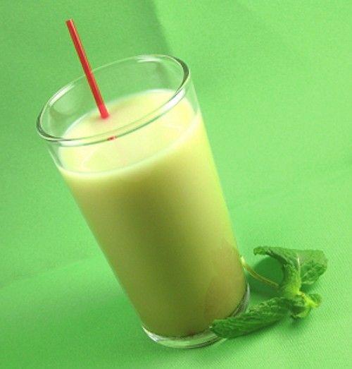 Jamaican Qualude drink recipe - Malibu Rum, Frangelico, Baileys, Milk