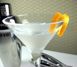 London Town drink recipe - Gin, Maraschino Liqueur, Bitters
