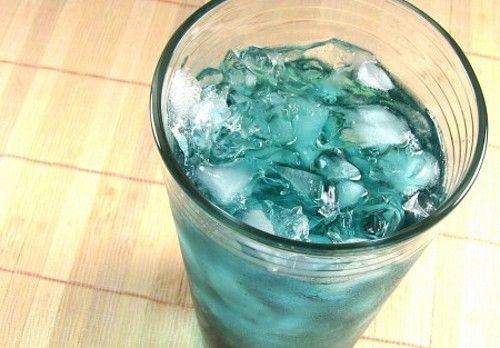 Italian Ice drink recipe - Vodka, Blue Curacao, Chambord, Sour Mix, 7-Up