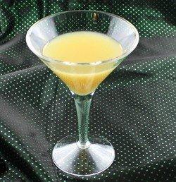 Farmer's Daughter drink recipe - Creme de Banane, Bailey's, Amaretto, Cream