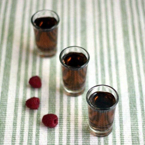 Y2K Shot drink recipe - Vodka, Midori, Chambord