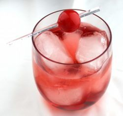 Temptress drink recipe - Vodka, Ginger Ale, Grenadine