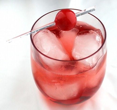 Temptress drink recipe - Vodka, Ginger Ale, Grenadine
