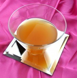 Gloriana drink recipe - Apricot Brandy, Gin, Lemon