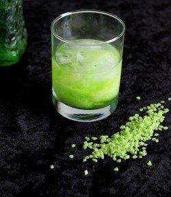 Midori Green Russian drink recipe - Midori, Vodka, Cream