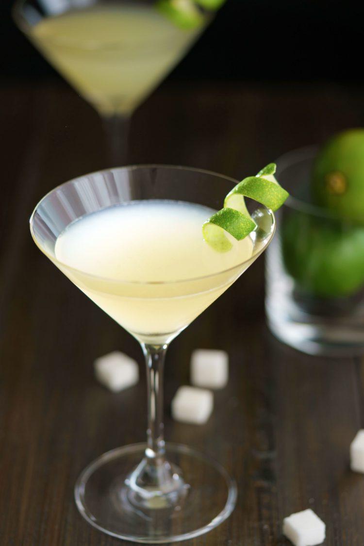 Elderflower Martini with limes on table