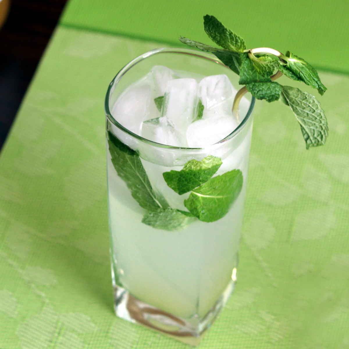 Nojito mocktail, the non-alcoholic Mojito - Mix That Drink