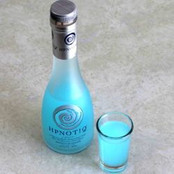 What does Hpnotiq taste like?