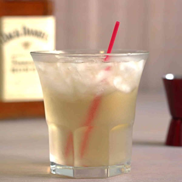The Club Honey cocktail recipe features Jack Honey and club soda. The sweetness from the Honey and the mild bitterness from the club soda make a perfect contrast in this delicious drink.