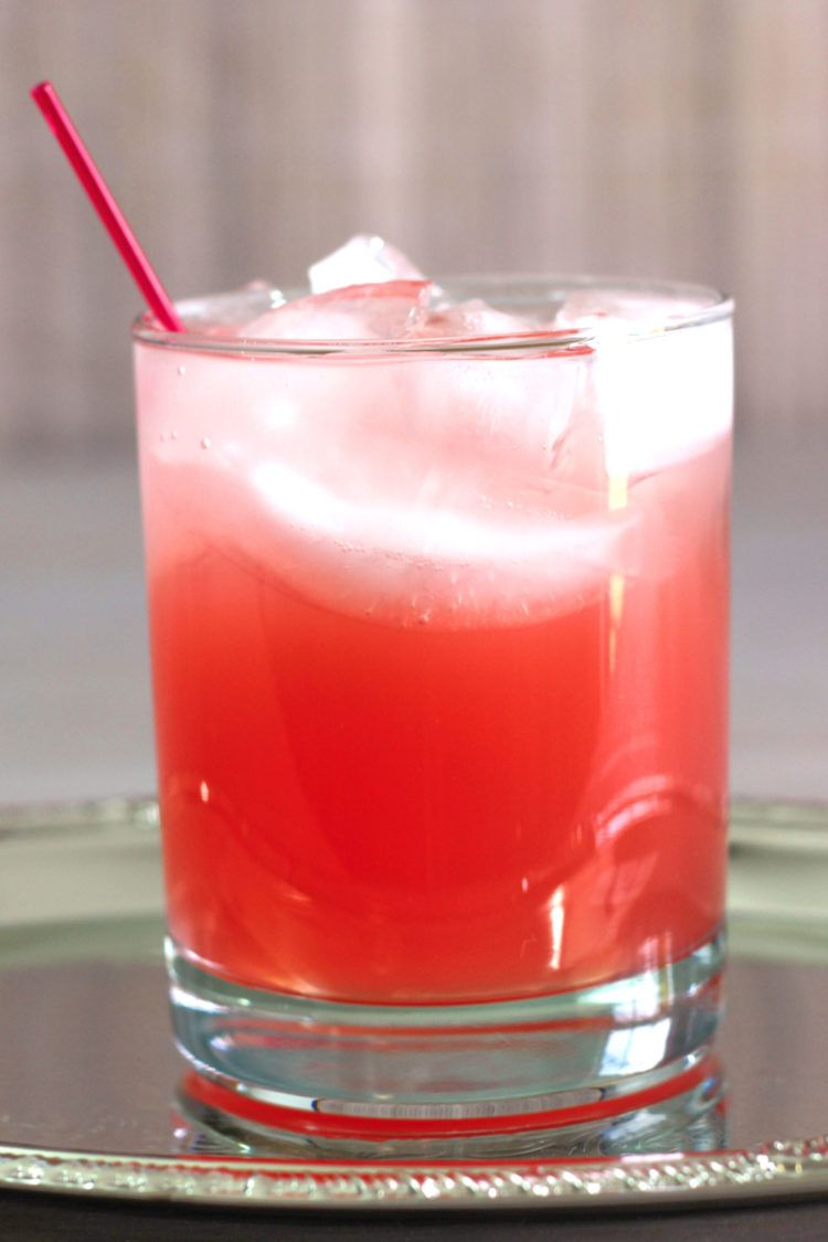 Jack Honey & Grapefruit drink recipe featuring Jack Honey and grapefruit juice.