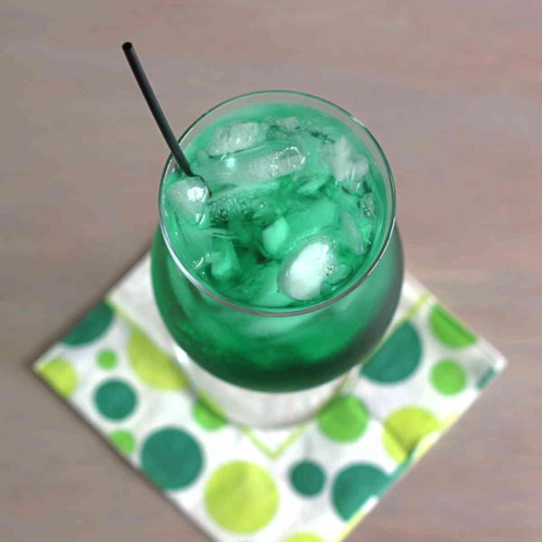 Misty Mint cocktail recipe with creme de menthe and rum.