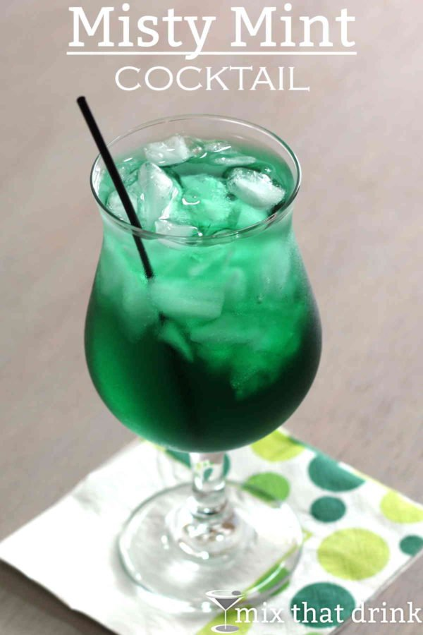 The Misty Mint cocktail recipe is so refreshing, and so easy to make. This drink only has two ingredients, and you just pour them into a glass of crushed ice and stir. Click through for the full recipe.