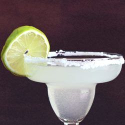 Classic margarita recipe cocktail with lime